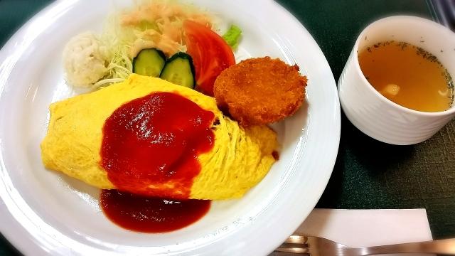 「居酒屋 北海道平塚駅ビル店」が「コロワイド食堂」として期間限定で開店中 生活困窮者を対象に無料で食事を提供
