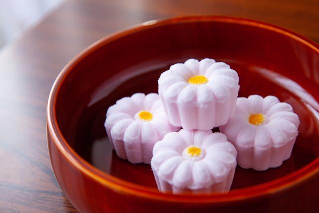毎年恒例の「平塚菓子展示会」が感染拡大防止のため中止になりました。